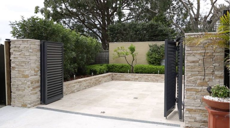 Folding automatic gate at home entrance